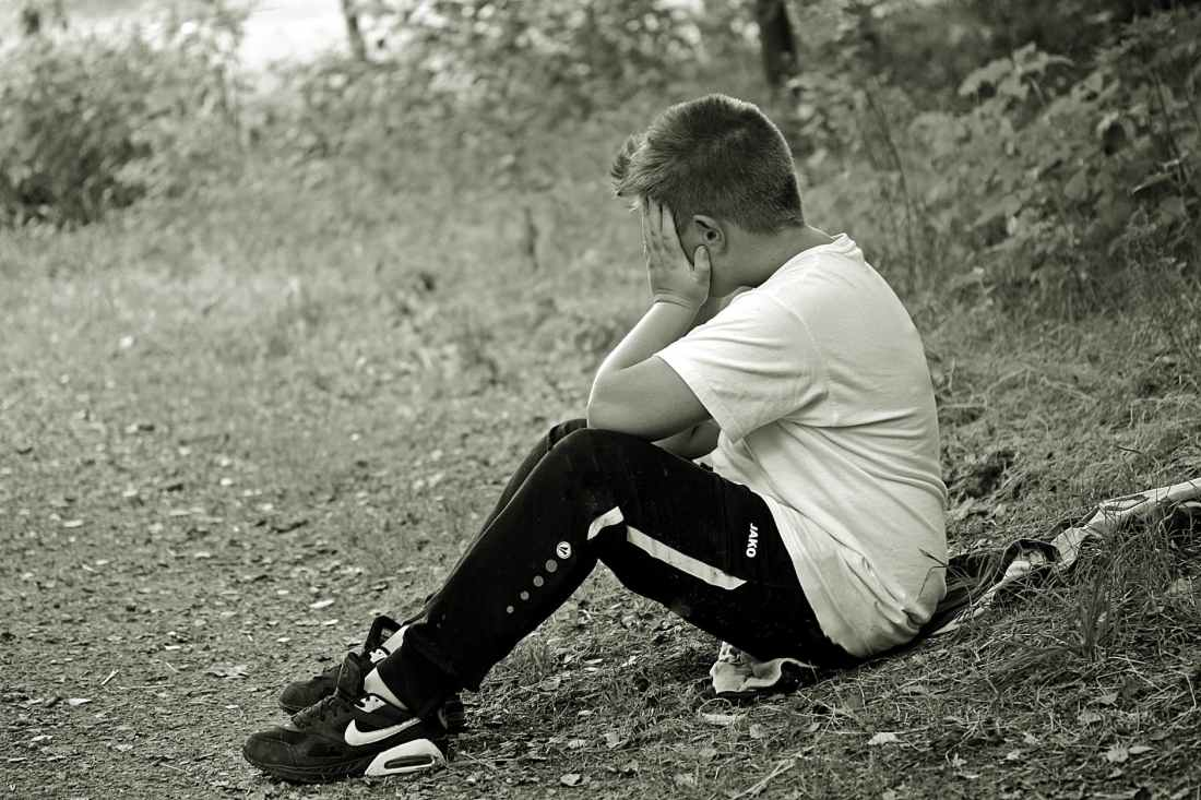 boy-child-sad-alone-158305.jpeg